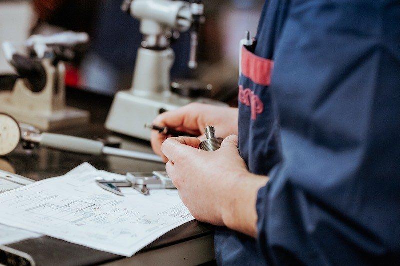 Lavorazioni meccaniche di precisione-OMP snc-sala collaudo