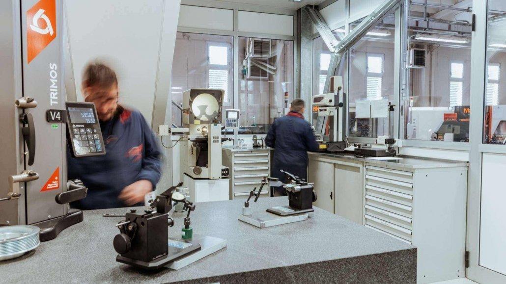 Lavorazioni meccaniche precisione-sala metrologica-OMP snc