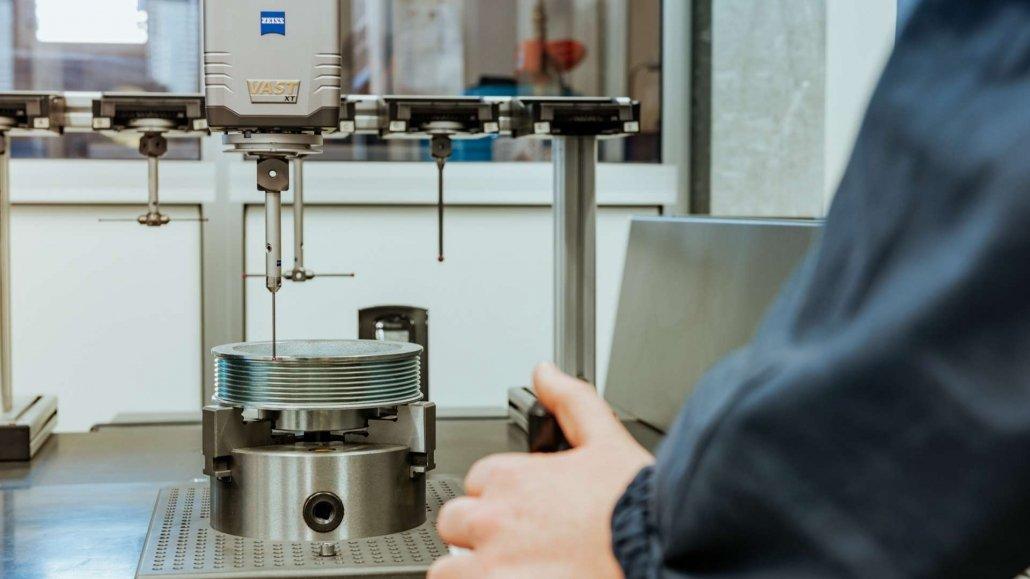 Lavorazioni meccaniche di precisione-Macchina misura tridimensionale-OMP snc